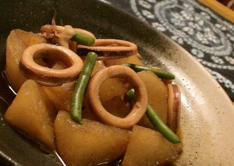 My Mother's Recipe Simmered Squid and Daikon Radish