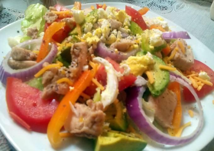Sunshine's grilled chicken salad