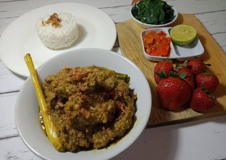Indonesian Rendang ayam