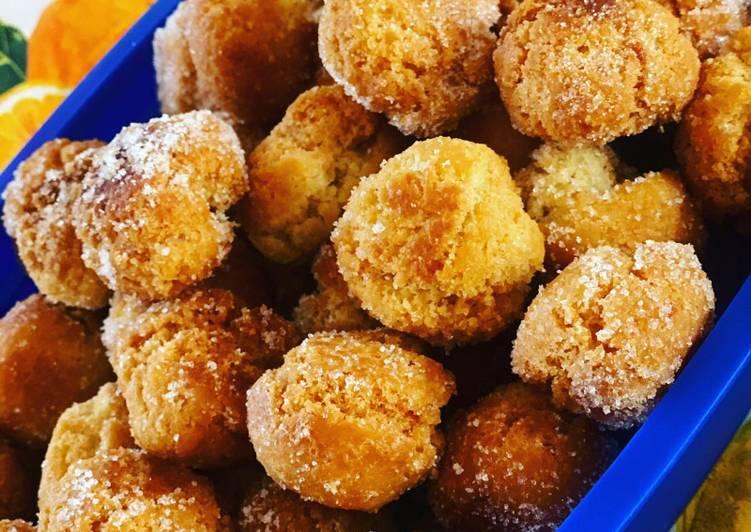 Castagnole con mandorle, succo di mandarini e cannella