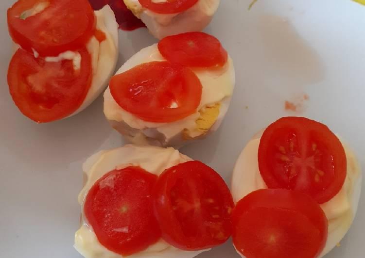 Ricetta Uova con maionese e pomodorini… facilissima..😜😜😋😋