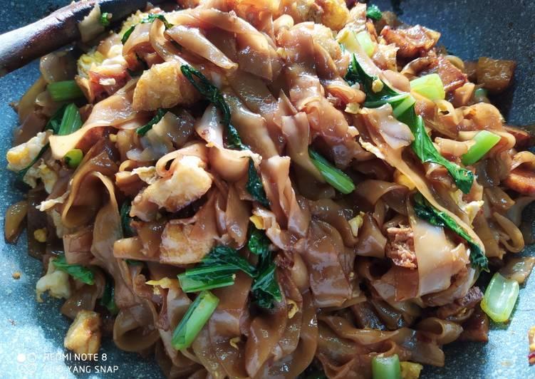 Kuetiaw goreng ala apek foodtruck pasar malam