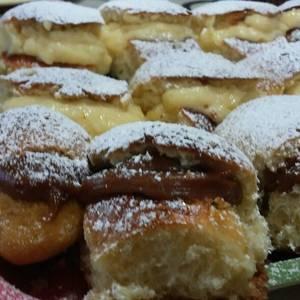Pancitos dulces rellenos con dulce de leche y crema pastelera