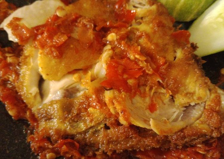 Ayam Penyet Sambal Bawang