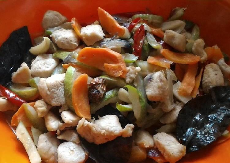 Ayam, Timun wortel cruis Cah Saus Tiram