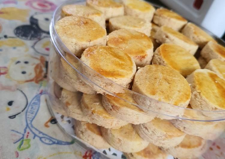 Kue Kacang Lembut dan Crunchy - cookandrecipe.com