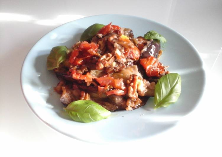 Baked Aubergines with Walnuts