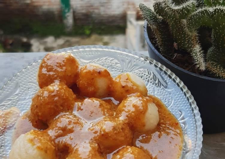Cilok Kuah Kacang Pedas