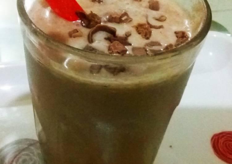 Simple Way to Make Homemade Guys Choco shake