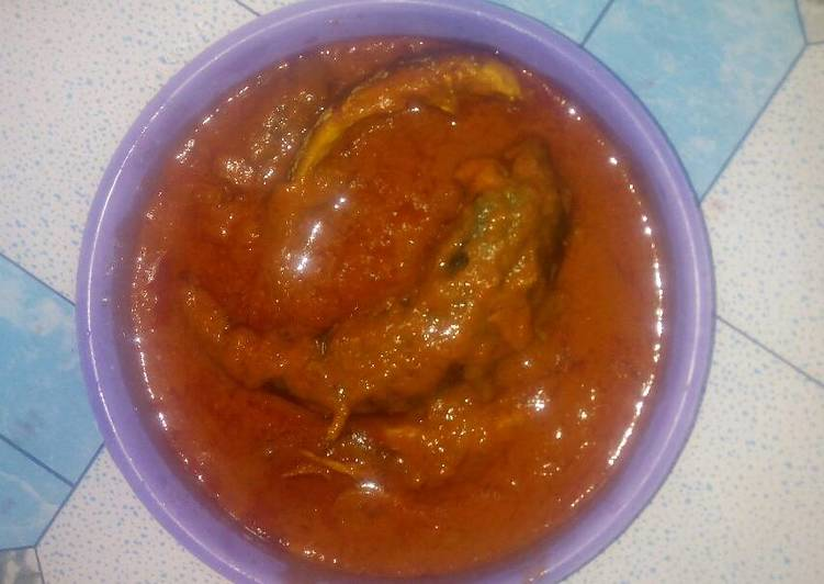 Smoked mackerel curry stew with scent leaf