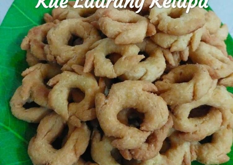 Kue Ladrang Kelapa