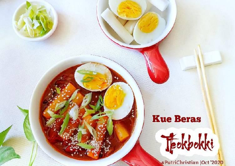 Tteokbokki (kue beras ala Korea)