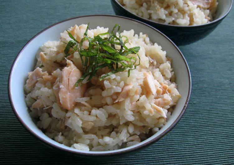 How to Prepare Perfect Salmon Takikomi Gohan