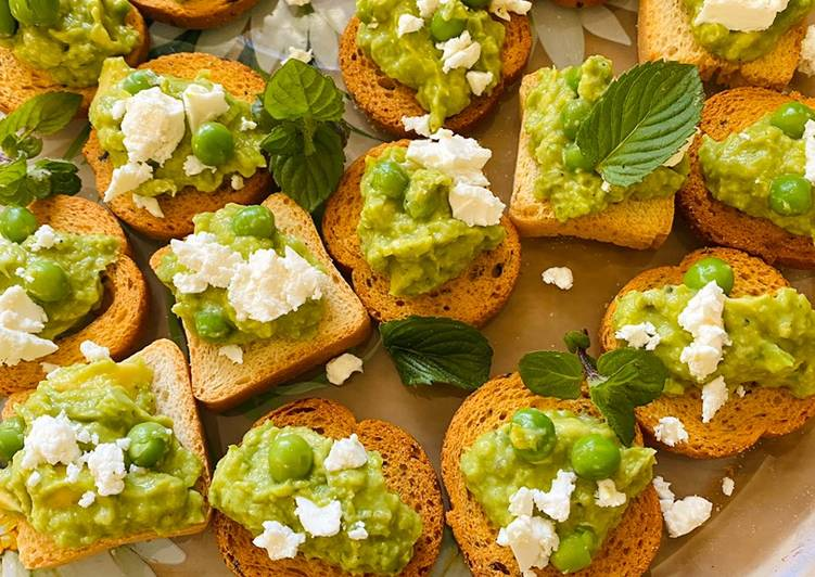 "Recipe of Award-winning Little canapés ""avocado with peas,mint and feta"""