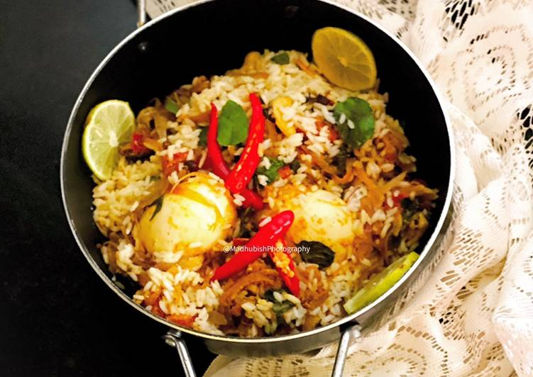 30 Minute Dinner Easy Super Quick Homemade Egg Biryani in South Indian style