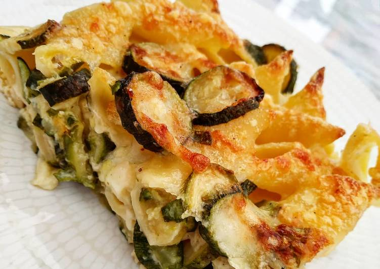Ricetta Verdure Besciamella.Ricetta Penne Candela Con Zucchine Al Forno Senza Besciamella Di Mimma Ciccarese Cookpad