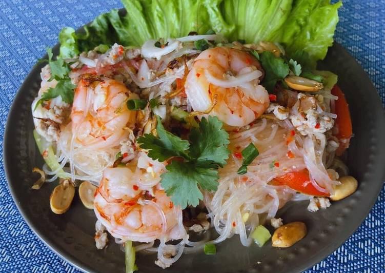 Recipe of Favorite 🧑🏽🍳🧑🏼🍳 Thai Salad • Spicy Glass Noodle Salad - Yum Woon Sen | ThaiChef food
