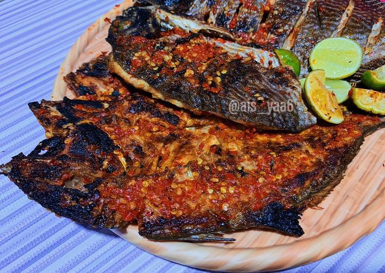 Ikan bakar rica pedas