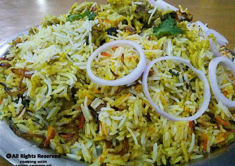 25 Minute Simple Way to Make Diet Perfect Kachay gosht ki biryani #cookpadapp #kobabandcookpad
