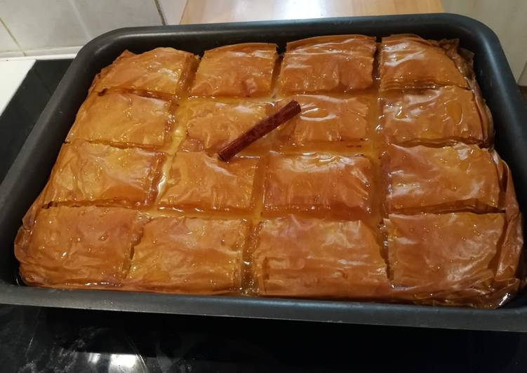 Το γαλακτομπούρεκο του Άκη συνταγή από τον/την Antonia Kagiafas - Cookpad