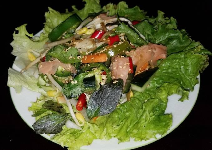 Mike's Vegetarian Thai Lettuce Wraps