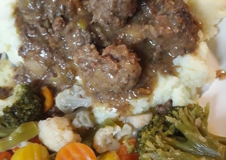 Recipe: Tasty Buttermilk Meatballs in Gravy