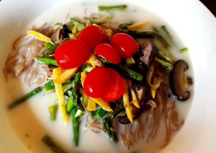 Naengmyeon in soymilk broth 豆浆冷面