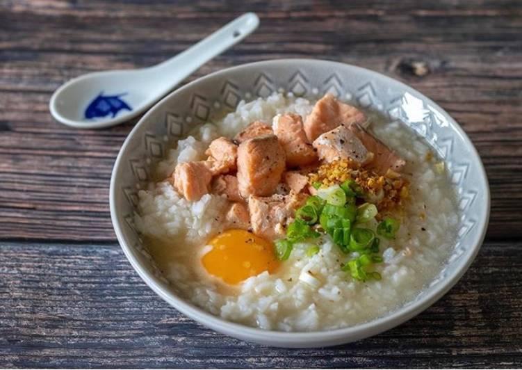 Kao Tom Salmon - Thai rice congee with salmon
