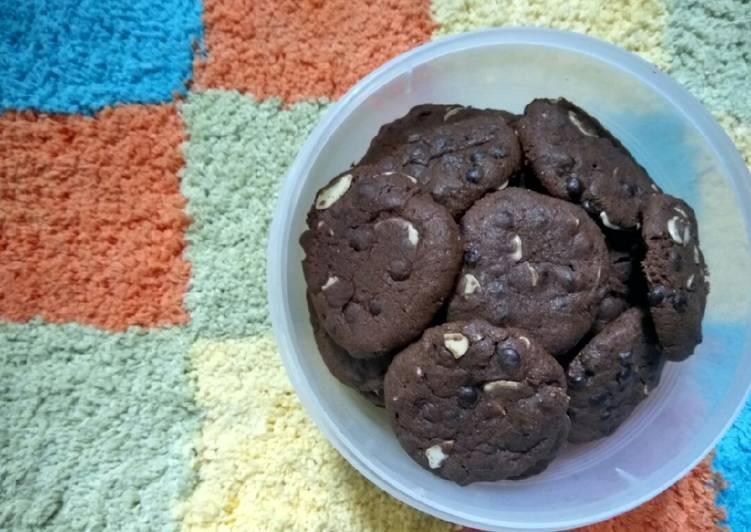 Chocochips & Almond Cookies