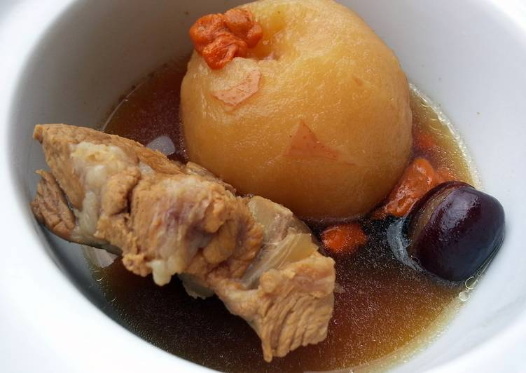Steps to Make Super Quick Homemade Snow Pear In Pork Soup