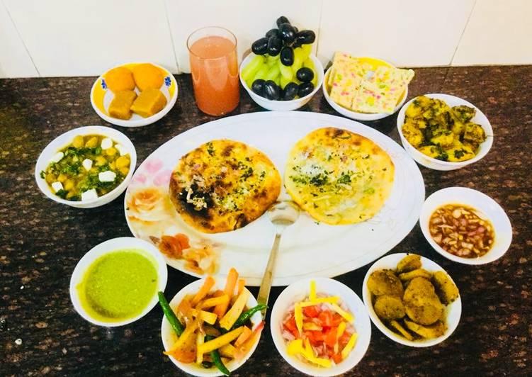 Amritsari Mixed Kulcha With Masala Channa