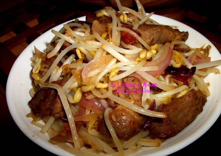 Porc Sauté au Germe de Soja (pousse de haricot mango)