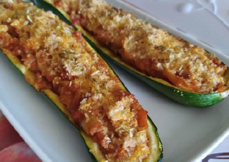 Calabacín relleno vegetariano