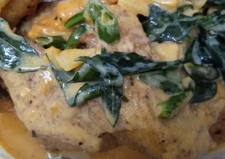 Kepak ayam salted egg - velavinkabakery.com