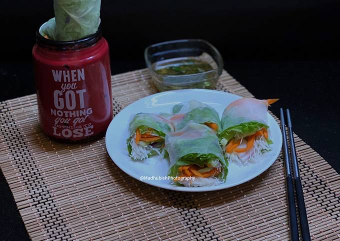 Vietnamese style Cold Spring Roll with Fish Sauce