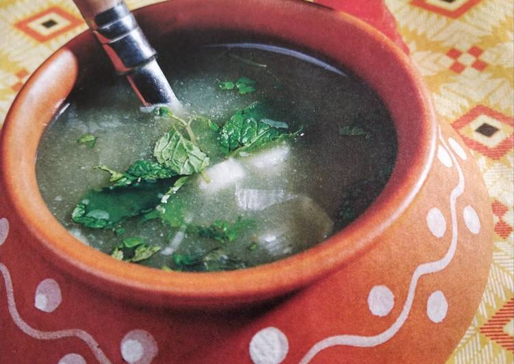 Lauki soup / bottlegourd soup