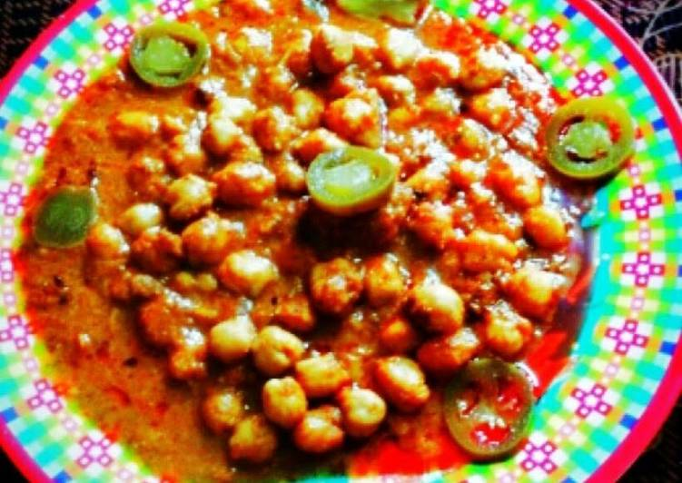 Channa Masala (Indian chickpea with gravvy)