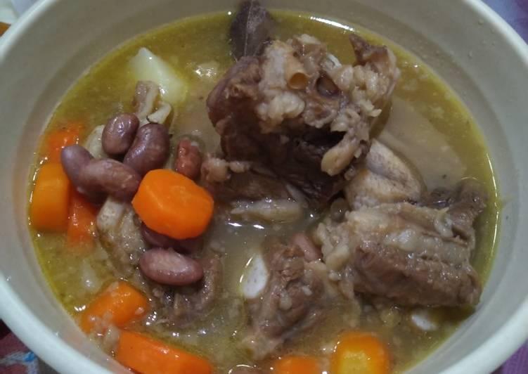 20. Sup Iga Kacang Merah