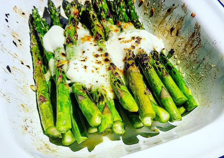 Recipe: Tasty Lemon & thyme roasted asparagus