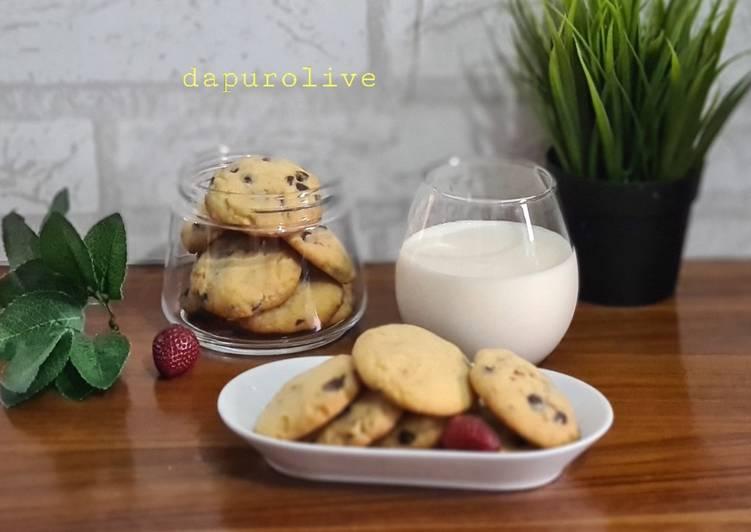 Chewy Jumbo Cookies