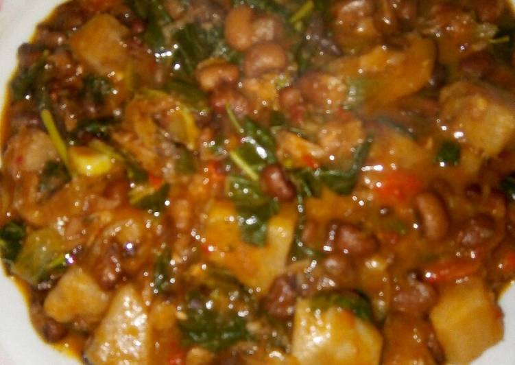 West African Foods Yam and beans porridge