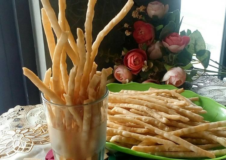 Kue bawang/ladrang/stik bawang renyah simpel (revisi)