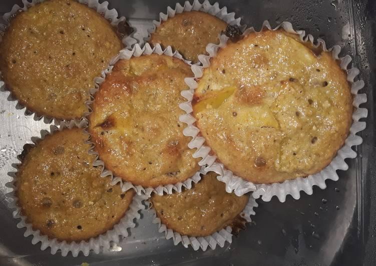 Recipe: Tasty Oatmeal Apple Muffins