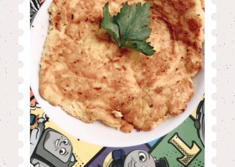 Mpasi 11mo (Omelette Kentang)  Karena anakku lagi susah makan, bosen sama nasi dan yang kuah kuah