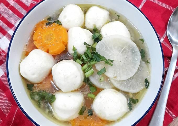 Bagaimana Membuat Sup Lobak Bakso Ikan, Bisa Manjain Lidah