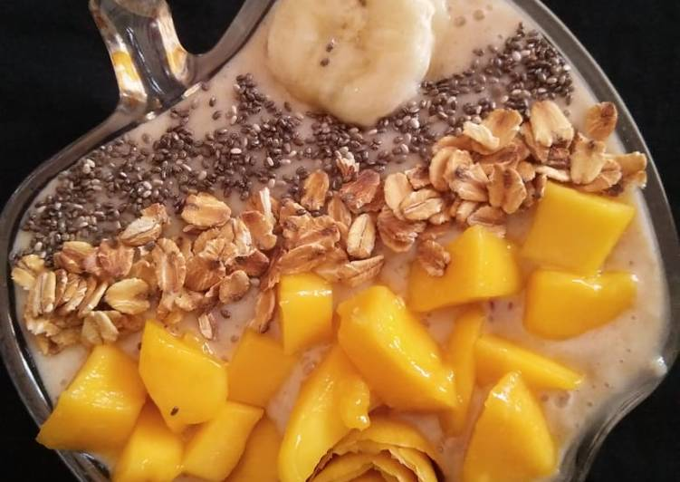 Healthy Mango Banana Smoothie