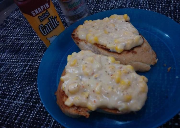 Garlic Toast with Creamy Corn Topping