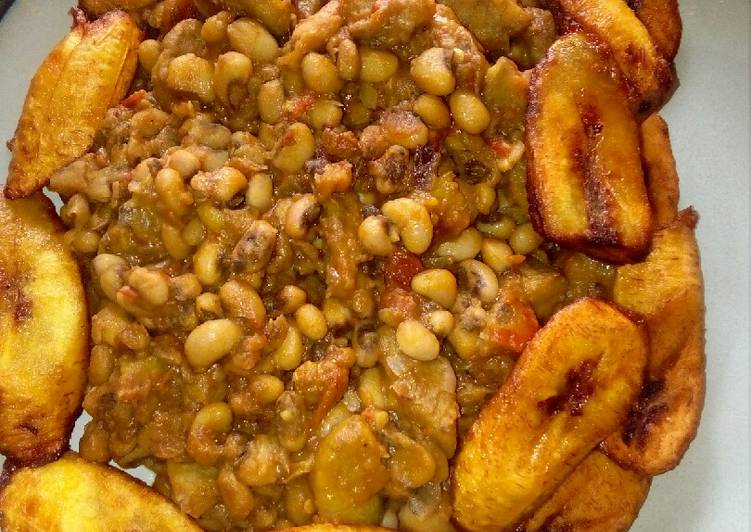 Beans and fried plantain
