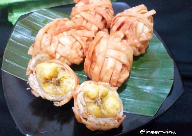 pisang-goreng-pangsit
