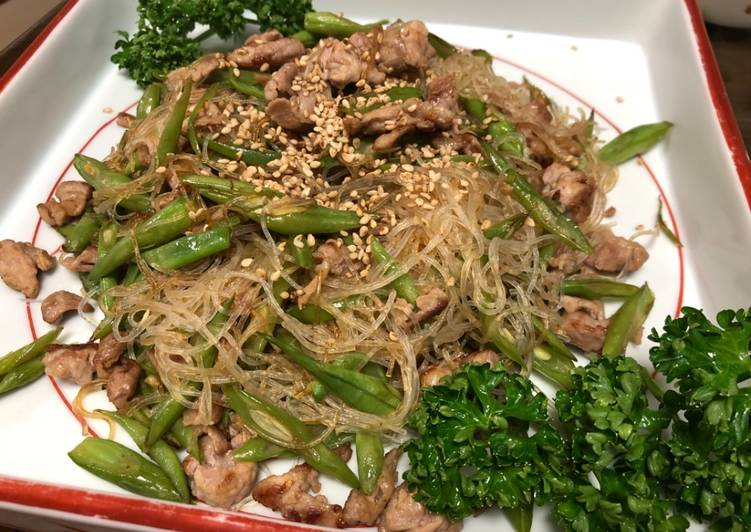 Steps to Make Ultimate Harusame Chinese Starch Noodle with pork and green bean